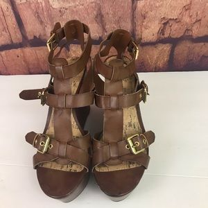 G BY GUESS GGAnnelle BROWN WEDGE STRAPPY SANDAL